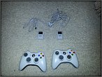 2 Controller, Play&Charge Kit mit 2 Akkus (Xbox 360)
